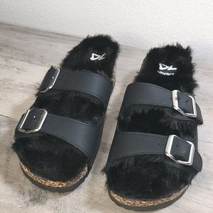 NEW Dirty Laundry Fur-lined Sandals